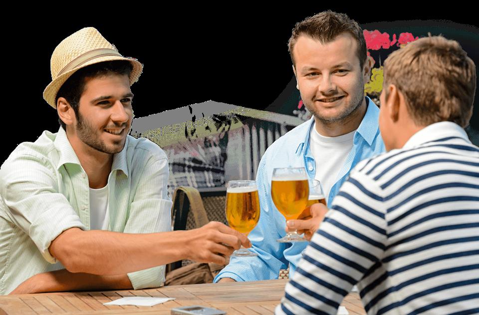 3 mænd drikker fadøl