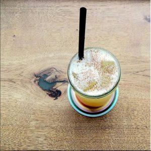 Good Vibrations cocktail på fustage
